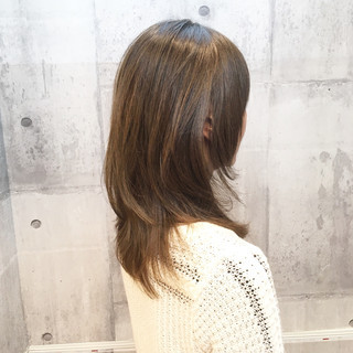 オフィス イルミナカラー ミディアム 白髪染め ヘアスタイルや髪型の写真・画像