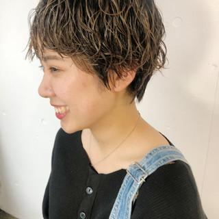 ミニボブ 切りっぱなしボブ ショートボブ ショートヘア ヘアスタイルや髪型の写真・画像