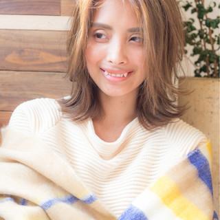 アッシュ 色気 ミディアム ナチュラル ヘアスタイルや髪型の写真・画像 ヘアスタイルや髪型の写真・画像