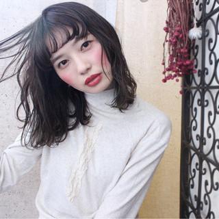 外国人風 透明感 ナチュラル アンニュイ ヘアスタイルや髪型の写真・画像