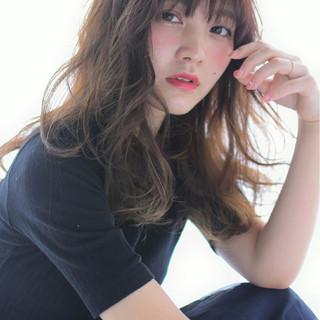 色気 ガーリー セミロング くせ毛風 ヘアスタイルや髪型の写真・画像