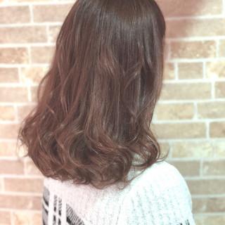 透明感 フェミニン セミロング ピンク ヘアスタイルや髪型の写真・画像