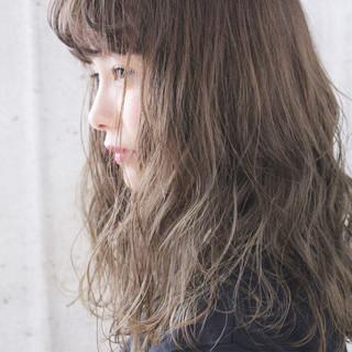 ブリーチ アンニュイ ナチュラル ヘアアレンジ ヘアスタイルや髪型の写真・画像