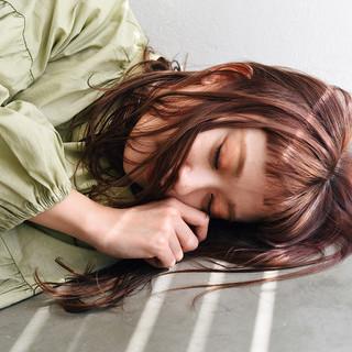 ミディアムレイヤー ピンク ミディアム フェミニン ヘアスタイルや髪型の写真・画像