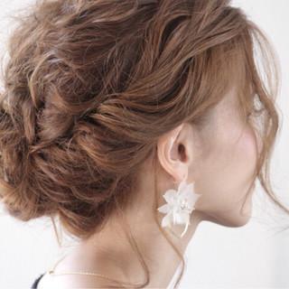 デート ミディアム 上品 エレガント ヘアスタイルや髪型の写真・画像 ヘアスタイルや髪型の写真・画像