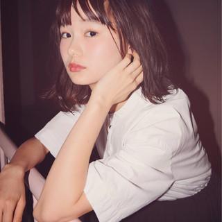 アウトドア ガーリー 女子会 リラックス ヘアスタイルや髪型の写真・画像