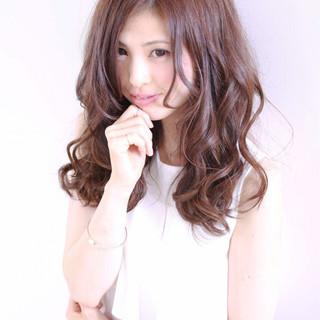 カール 外国人風 ロング ピュア ヘアスタイルや髪型の写真・画像 ヘアスタイルや髪型の写真・画像