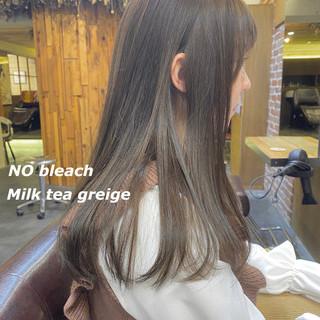 切りっぱなしボブ ロング インナーカラー ミルクティーグレージュ ヘアスタイルや髪型の写真・画像