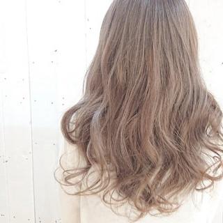 ベージュ フェミニン ピンクアッシュ ハイトーン ヘアスタイルや髪型の写真・画像