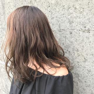 ナチュラル ハイライト セミロング ヘアスタイルや髪型の写真・画像