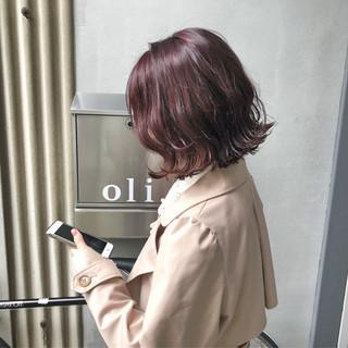 ピンク アンニュイ ウェーブ ボブ ヘアスタイルや髪型の写真・画像