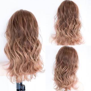 ロング 巻き髪 フェミニン ヘアアレンジ ヘアスタイルや髪型の写真・画像