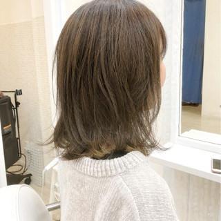 ロブ 外ハネ ナチュラル マット ヘアスタイルや髪型の写真・画像