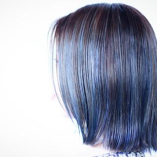 大人ハイライト ネイビーアッシュ ネイビーブルー ネイビー ヘアスタイルや髪型の写真・画像