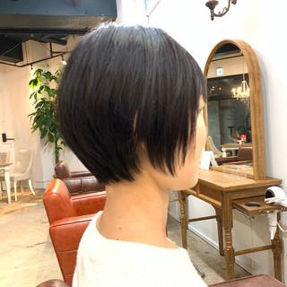 ショート アッシュ 暗髪 ナチュラル ヘアスタイルや髪型の写真・画像