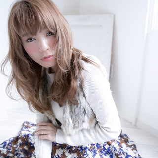 大人かわいい フェミニン セミロング ナチュラル ヘアスタイルや髪型の写真・画像