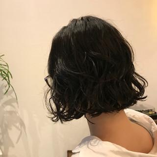 デジタルパーマ デート 大人かわいい ナチュラル ヘアスタイルや髪型の写真・画像