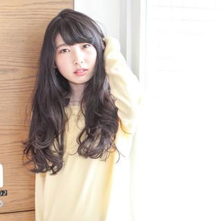 黒髪 大人かわいい パーマ ロング ヘアスタイルや髪型の写真・画像