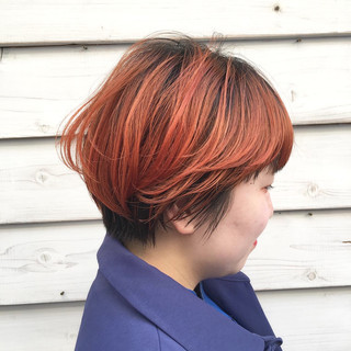 ショートボブ 透明感カラー オレンジ ストリート ヘアスタイルや髪型の写真・画像