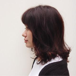 レッド ピンク ハイライト パーマ ヘアスタイルや髪型の写真・画像