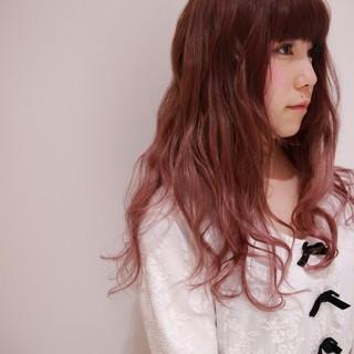 ベージュ ロング ダブルカラー ハイトーン ヘアスタイルや髪型の写真・画像