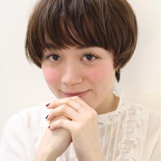 佐藤栞里 大人女子 ナチュラル マッシュ ヘアスタイルや髪型の写真・画像