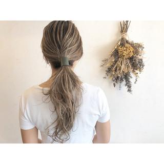 コントラストハイライト ミルクティーブラウン ミルクティーベージュ ハイライト ヘアスタイルや髪型の写真・画像