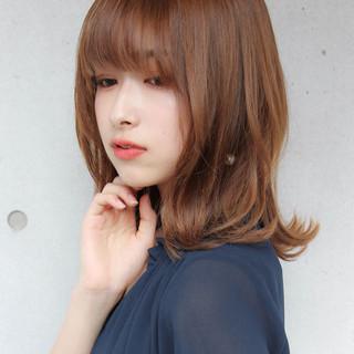 鎖骨ミディアム ミディアムレイヤー ミディアム 毛先パーマ ヘアスタイルや髪型の写真・画像