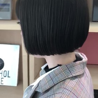 デート オフィス 切りっぱなしボブ モード ヘアスタイルや髪型の写真・画像