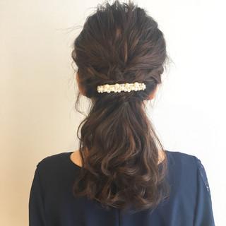 ローポニーテール セミロング ハーフアップ ナチュラル ヘアスタイルや髪型の写真・画像