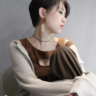 ショート 透明感カラー ナチュラル 大人かわいい ヘアスタイルや髪型の写真・画像