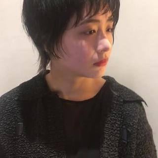ショート ウルフカット マッシュ モード ヘアスタイルや髪型の写真・画像