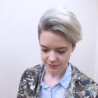 ショート ラベンダー ホワイト ストリート ヘアスタイルや髪型の写真・画像