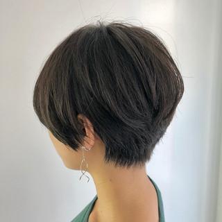ナチュラル ショート ショートヘア ベージュ ヘアスタイルや髪型の写真・画像