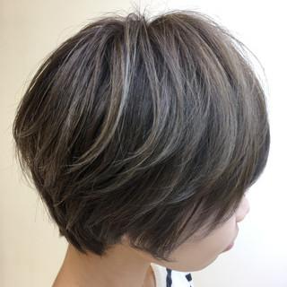 大人ハイライト フェミニン ボブ ショートボブ ヘアスタイルや髪型の写真・画像