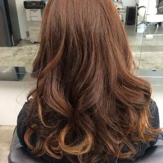 暗髪 外国人風 セミロング ストリート ヘアスタイルや髪型の写真・画像