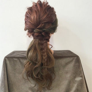 ハーフアップ フェミニン 三つ編み セミロング ヘアスタイルや髪型の写真・画像