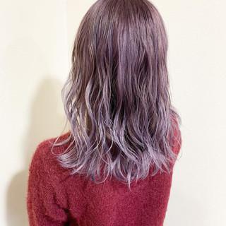 ミディアム グラデーションカラー ラベンダーカラー ガーリー ヘアスタイルや髪型の写真・画像