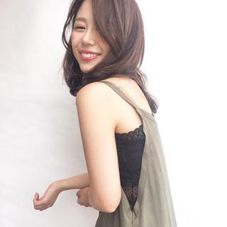 ミディアム 透明感 大人かわいい おフェロ ヘアスタイルや髪型の写真・画像