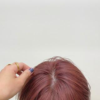 ベリーピンク ハイトーン ナチュラル くすみカラー ヘアスタイルや髪型の写真・画像
