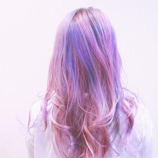 かわいい バレイヤージュ ロング グラデーションカラー ヘアスタイルや髪型の写真・画像