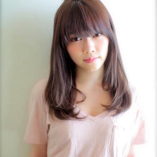 黒髪 ナチュラル 前髪あり 大人かわいい ヘアスタイルや髪型の写真・画像 ヘアスタイルや髪型の写真・画像