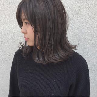 ボブ 外ハネ 切りっぱなし 外国人風 ヘアスタイルや髪型の写真・画像 ヘアスタイルや髪型の写真・画像