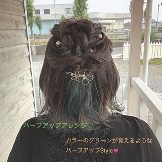 デート 簡単ヘアアレンジ フェミニン グリーン ヘアスタイルや髪型の写真・画像