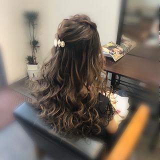 前髪アレンジ フェミニン セミロング ヘアセット ヘアスタイルや髪型の写真・画像