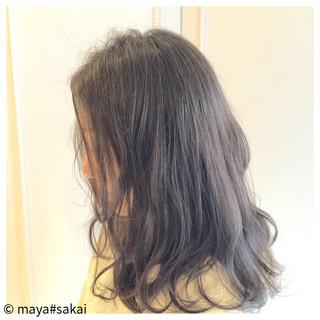 暗髪 ウェーブ ゆるふわ フェミニン ヘアスタイルや髪型の写真・画像