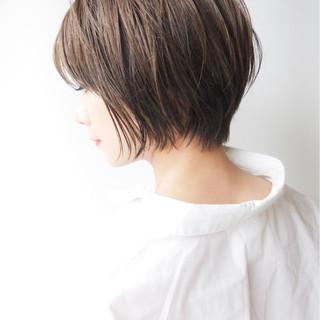 ショートボブ オフィス コンサバ ショート ヘアスタイルや髪型の写真・画像