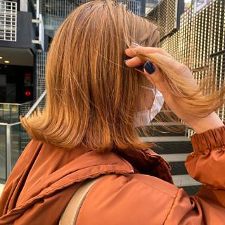 ボブ ストリート オレンジ 切りっぱなしボブ ヘアスタイルや髪型の写真・画像