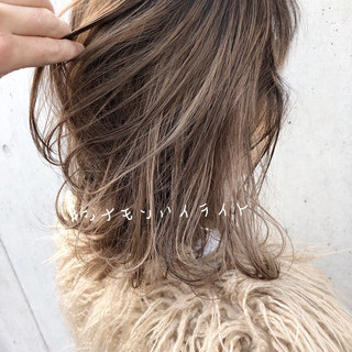 インナーカラー セミロング ヘアアレンジ デート ヘアスタイルや髪型の写真・画像