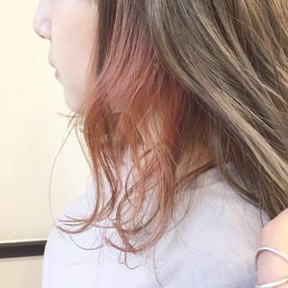 ピンク 透明感 ミディアム インナーカラー ヘアスタイルや髪型の写真・画像 ヘアスタイルや髪型の写真・画像